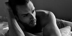 Aktfotografie für Männer – Aktfotos von den besten Seiten des Mannes